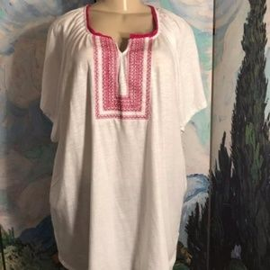 Chelsea & Theodore White/Red Embroidered Tunic Top